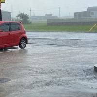 突然のゲリラ豪雨だからこそ。